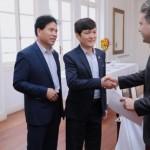 Governador Renan Filho recebe investidores chineses no Palácio República dos Palmares