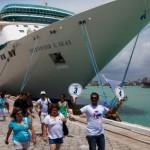 Turistas desembarcam cada vez mais na capital alagoana para conhecer as belezas naturais