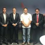 Governador Renan Filho e os secretários da Fazenda e de Desenvolvimento Econômico anunciam redução de imposto em reunião com os executivos da Gol