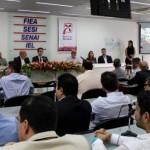 Superintendente do Banco do Nordeste, Pedro Ermírio, e o presidente da Fiea, José Carlos Lyra, ao lado dos empresários, participam da entrega da premiação, na Fiea