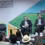 Presidente do BNB, Romildo Rolim, presidente da Embrapa, Celso Moretti, e ministra da Agricultura, Tereza Cristina