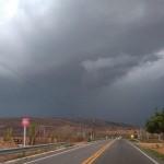 Chuvas fortes com raios e ventania ainda podem ocorrer durante o dia de hoje