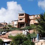 Alguns moradores do bairro do Mutange ainda resistem sair de seus imóveis
