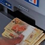 Recebem os funcionários que possuem vencimentos acima de R$ 2.562,00