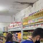 Fiscais do Procon fazem coleta de preços nos supermercados