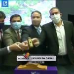 Governador Renan Filho bate o martelo dando início ao leilão na B3 que concretizou a venda da Casal