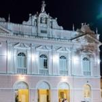 Teatro Deodoro passa por serviços de preservação na pintura geral do prédio