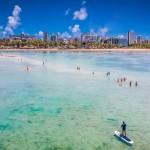 A bela praia da Ponta Verde chama a atenção dos turistas