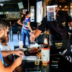 Retomada de bares e restaurantes impulsiona setor de serviços