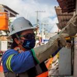 Mulheres eletricistas mostram capacidade e empoderamento no serviço de energia elétrica